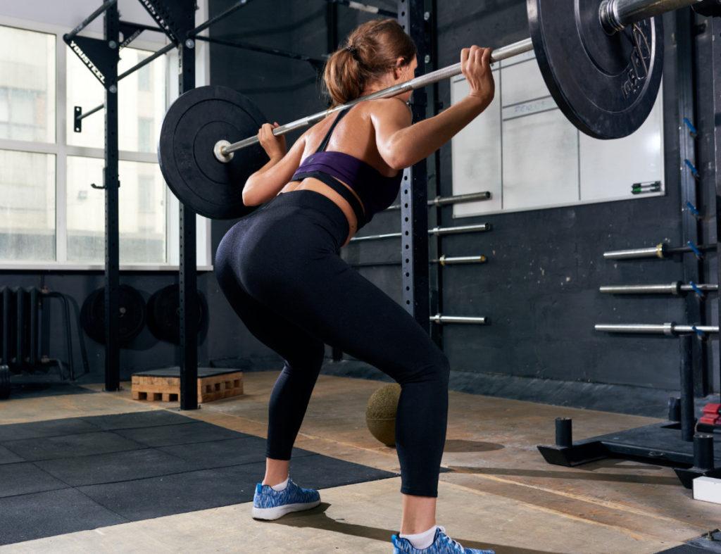 女性の筋トレで体重が増える原因