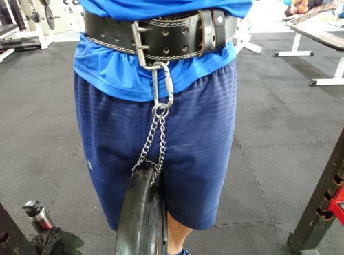 トレーニングベルトにバーベルプレート