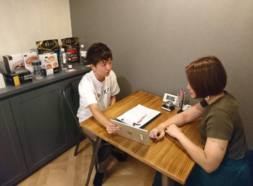エクスパ横浜店のカウンセリング室