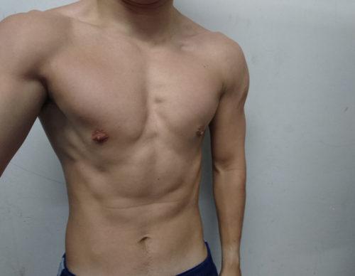ベンチプレス100kgの身体