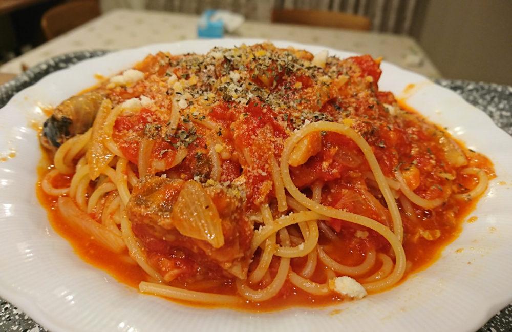 トマトとサバのパスタ