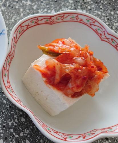 木綿豆腐とキムチ