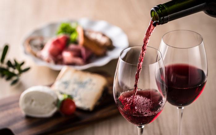 レベストラロールたっぷりの赤ワイン